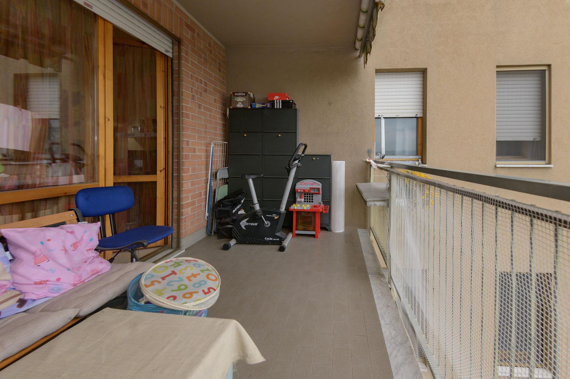 Volpiano - 8 Balcone Camera-3