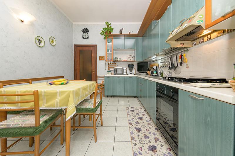 Via-Viterbo---3-Cucina-2